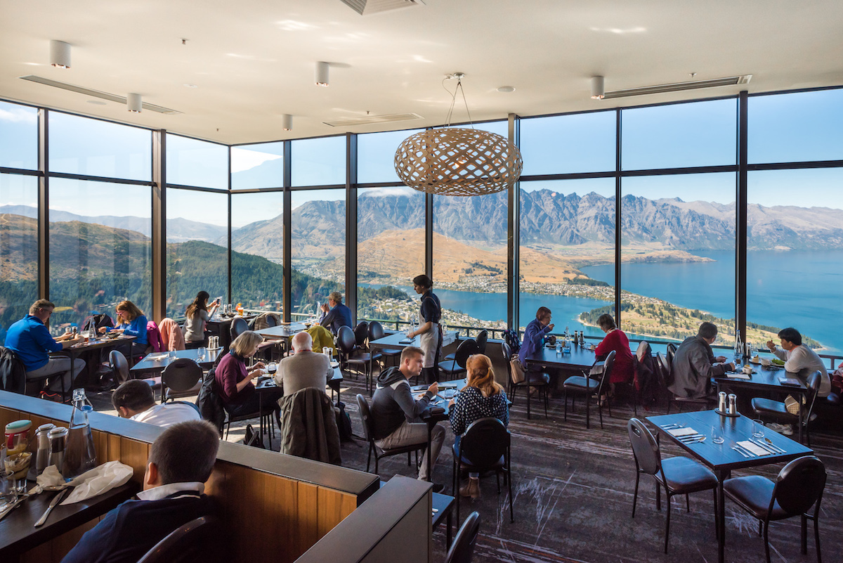 Skyline queenstown stratosfare restaurant bar new zealand for Bar food queenstown